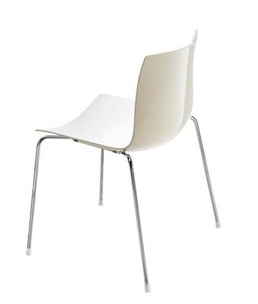 イロコデザインでレンタルできるお洒落な椅子