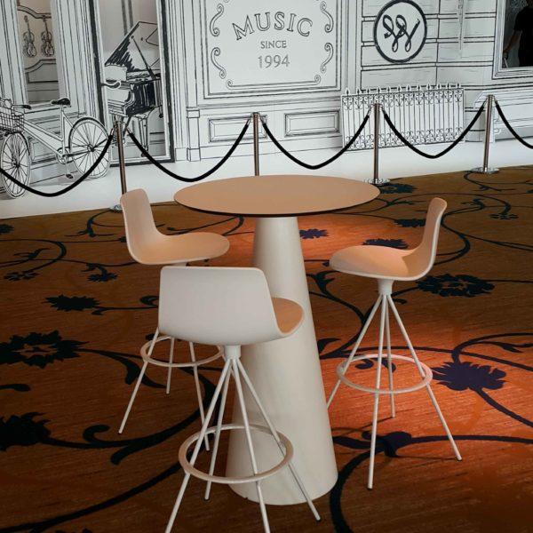 イロコデザインでレンタルできるハイテーブル&ハイチェア