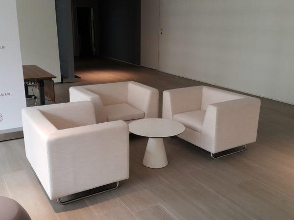 イロコデザインでレンタルできる1人掛けソファ