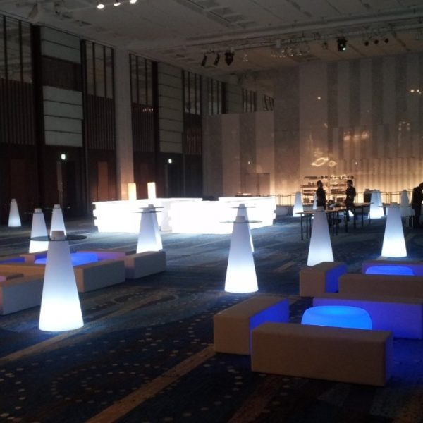 イロコデザインでレンタルできる光る家具