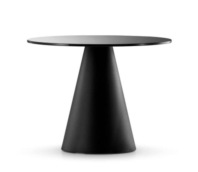 イロコデザインでレンタルできるブラックテーブル